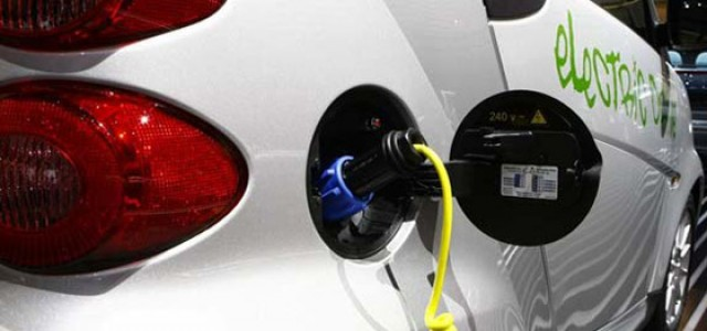 Francia: en octubre se aprobará la ayuda de 10.000 euros para la compra de coches eléctricos