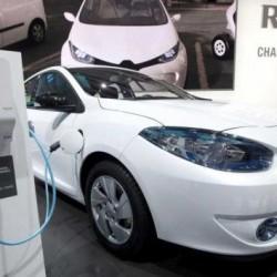 Nissan desarrollará puntos de recarga rápida a la mitad de precio