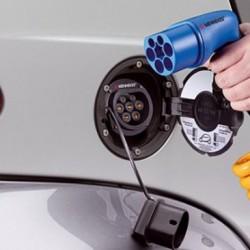 Para Mennekes, los puntos de recarga son mucho más importantes que las ayudas para las ventas de coches eléctricos
