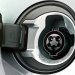 Opel_Ampera_Exterior_View_Close_Up_992x425_am12_e01_021