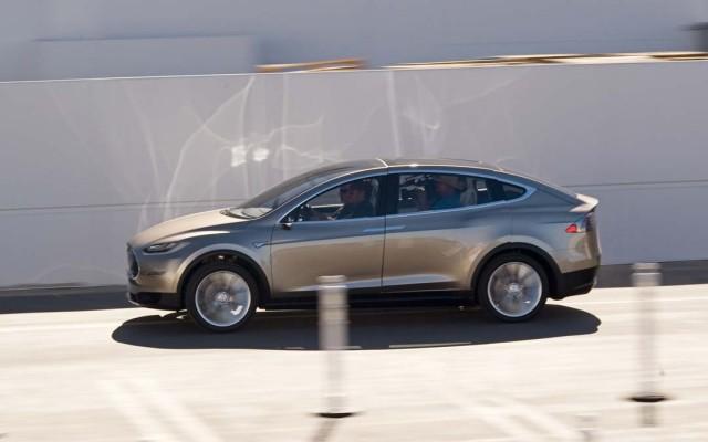 Tesla Model X, ventas frenadas