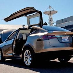 Tesla frena las ventas del Model X