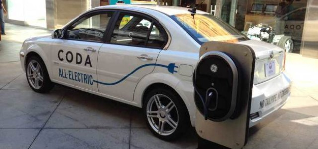 Guerra de enchufes, Ford Focus EV contra Coda