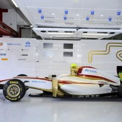 El equipo HRT de F1 y su nueva bici eléctrica
