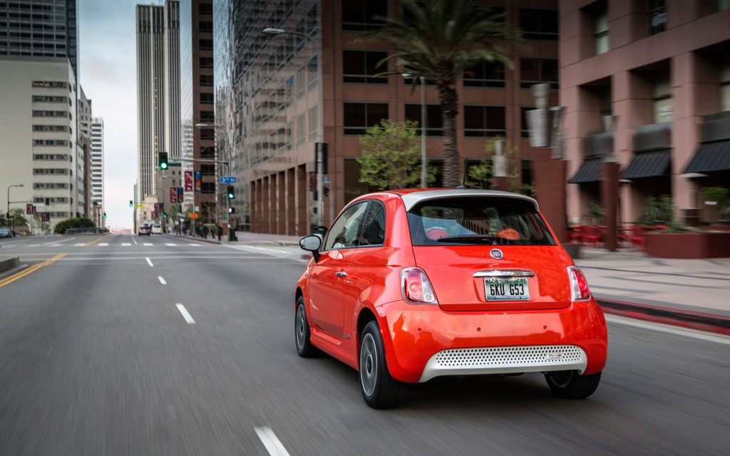2013-Fiat-500e-rear-11-1024x640