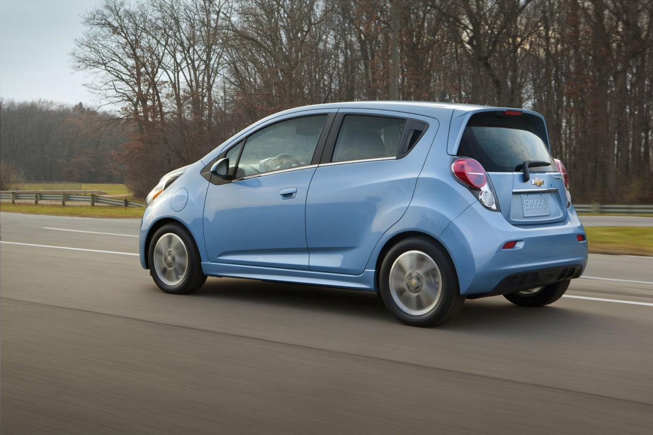 2014-Chevrolet-Spark-EV-1