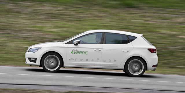 SEAT-Leon-Verde-hibrido1-1024x682