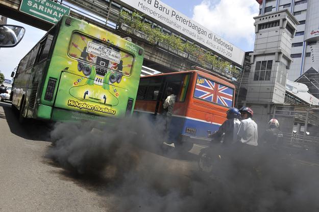 autobus-contaminacion-2