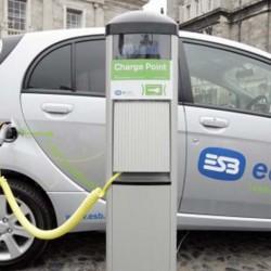 328 coches eléctricos vendidos en el primer semestre en España