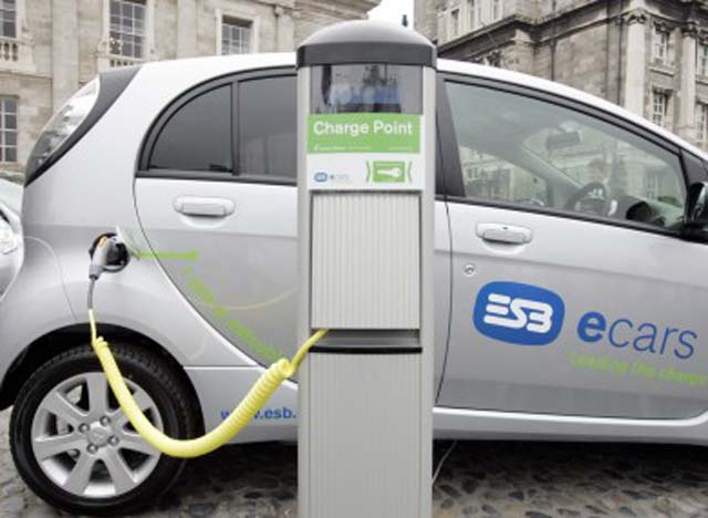 electric-cars-390x285