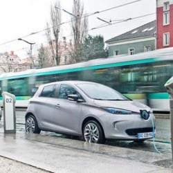 Bolloré recibe luz verde para el despliegue de 16.000 puntos de recarga en Francia