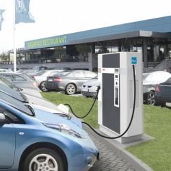 Los fabricantes acercan posturas sobre los formatos de recarga para coches eléctricos