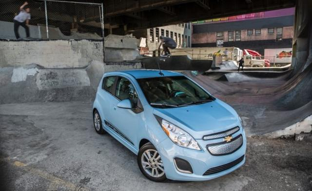 2014-Chevrolet-Spark-EV-011
