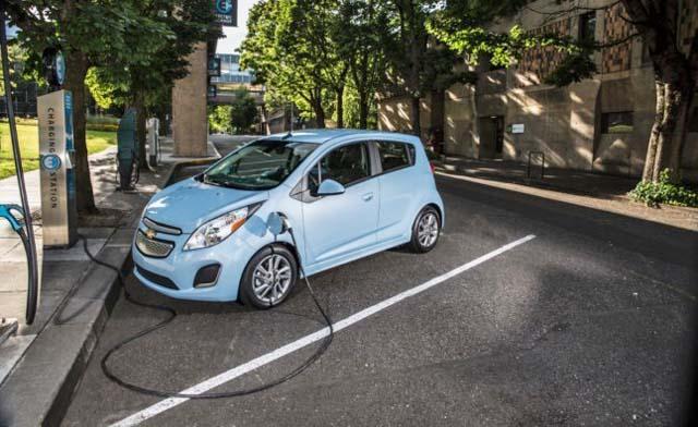 2014-Chevrolet-Spark-EV-015_rdax_646x396