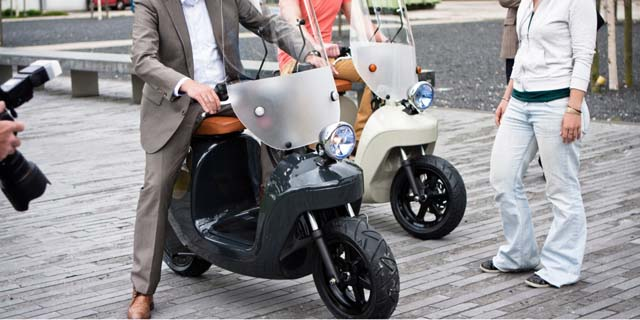 Be.e-frameless-biocomposite-electric-scooter-van.eko-design-by-waarmakers-7-1200x600