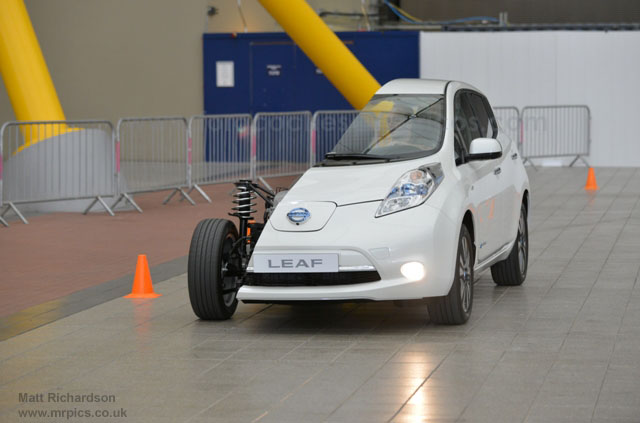 Medio-Nissan-LEAF-Londres-11