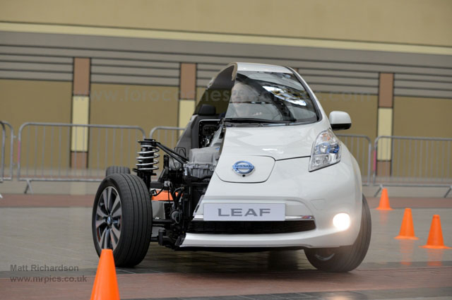Medio-Nissan-LEAF-Londres-13