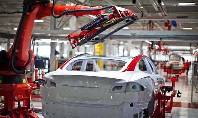 Tesla-Model-S-Factory