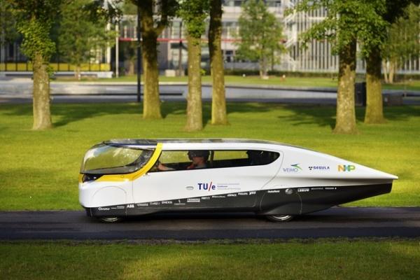 coche-solar-4