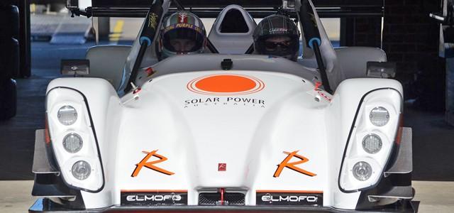 El Radical SR8 eléctrico nos enseña el poder de aceleración de sus 500 caballos