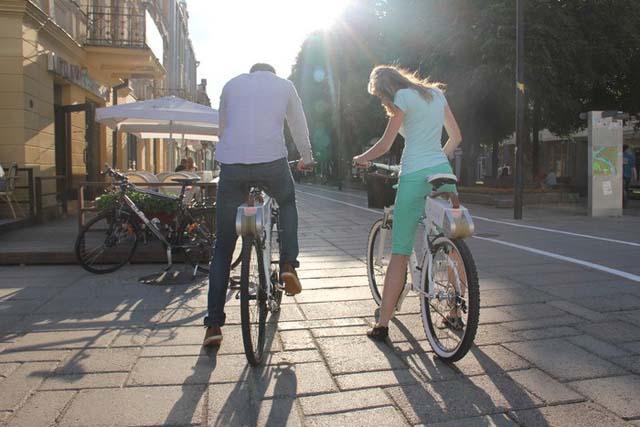 Kit tipo velosolex de contacto directo con la cubierta; la forma más sencilla de electrificar tu bicicleta Rubbee-7
