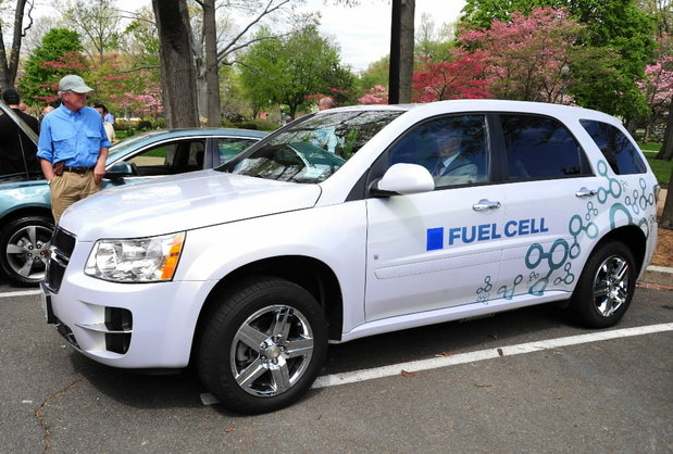 sns-rt-us-autos-fuelcell-hydrogen-20130702-001