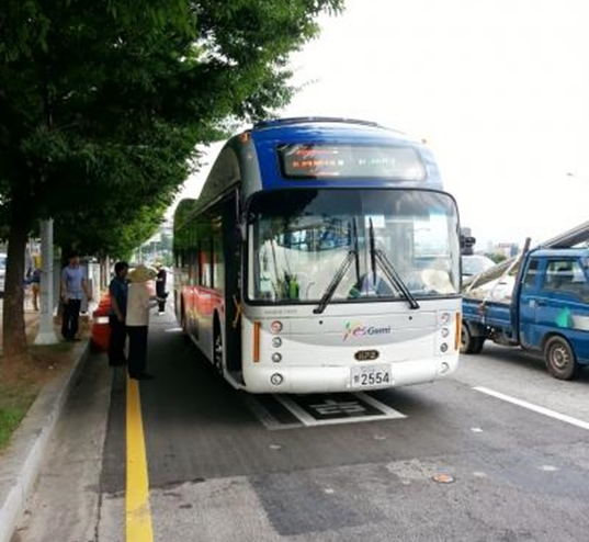 KAIST-Wireless-Online-Electrical-City-Buses-in-South-Korea-electric-bus-electromagnic-charging-2