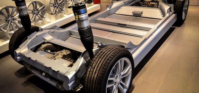 Tesla se prepara para fabricar sistemas de propulsión en la Gigafábrica de baterías