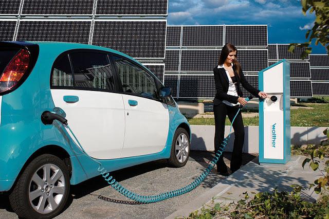 electric-car-refueling