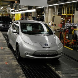 La producción del Nissan LEAF limitada por las baterías