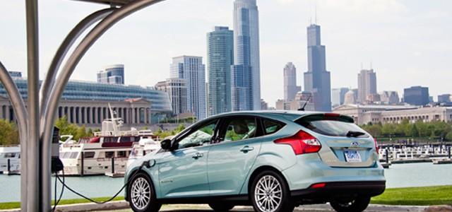 Ford instalará puntos de recarga para coches eléctricos en sus instalaciones en Estados Unidos