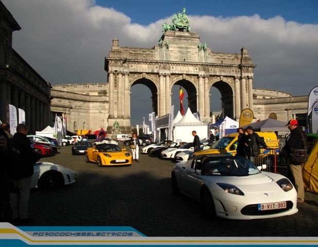 Bruselas100-Tesla-Roadster