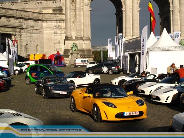 Bruselas102-Tesla-Roadster
