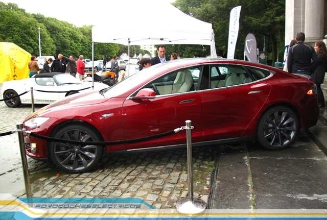 Bruselas45-Tesla-Model-S