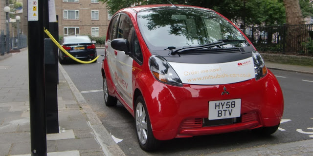 The-All-electric-Mitsubishi-i-MiEV-at-London