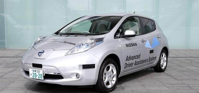 El Primer Nissan LEAF con sistema de asistencia a la conducción recibe su matrícula