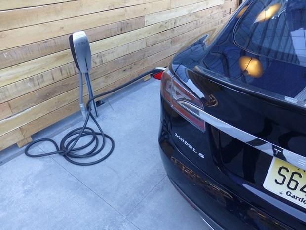 panasonic tesla charging