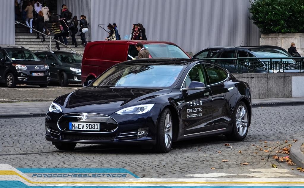 Prueba Tesla Model S 30