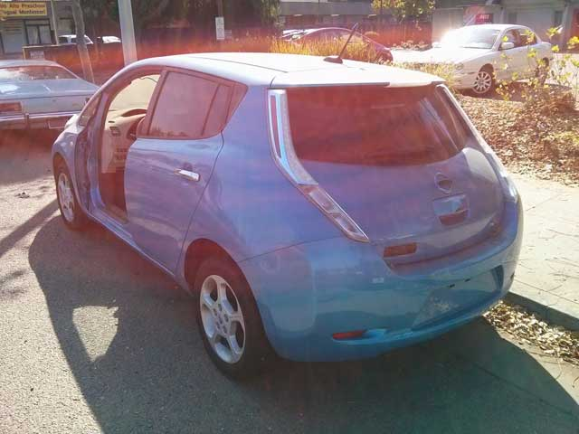 abandoned-nissan-leaf-electric-car-in-palo-alto-california-oct-2013_100444163_l