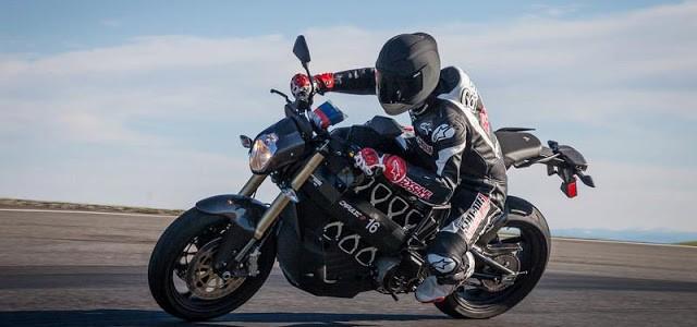 Probando la Brammo Empulse, la moto eléctrica que quiere cambiar la historía