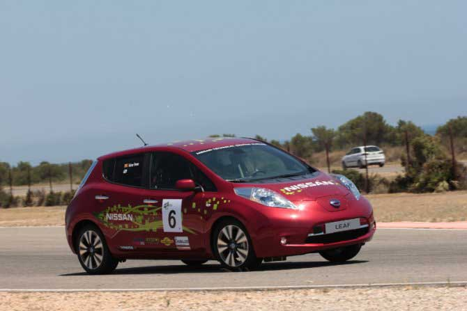 nissan-leaf-ecoseries-2013