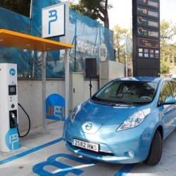 La recarga rápida de taxis eléctricos en Barcelona