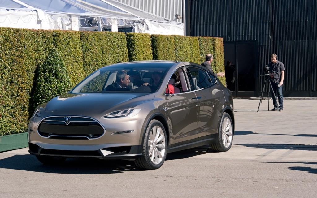 Tesla Model X con tracción total