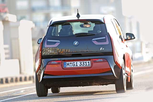 BMW-i3-Heckansicht-fotoshowBigImage-e115d9a2-731815