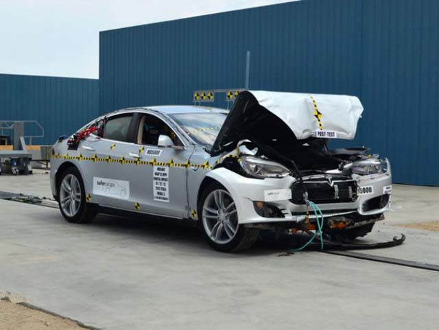 tesla-crash-test
