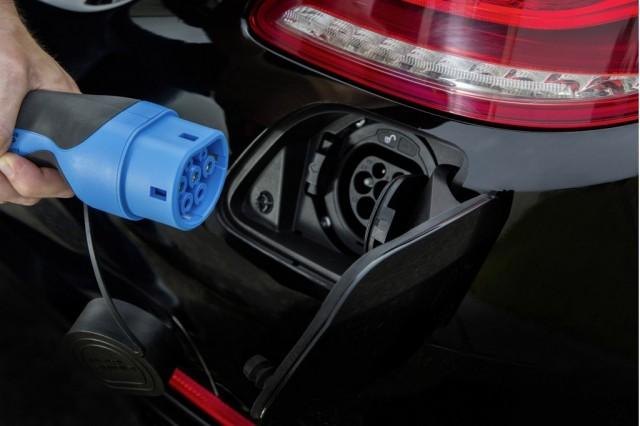 Mercedes-Benz S-Class Plug-In-4