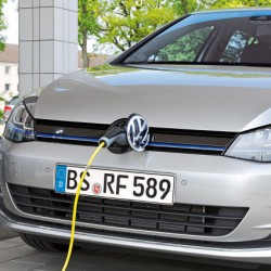 Precio del Volkswagen Golf GTE. El híbrido enchufable disponible desde 39.330 euros en España