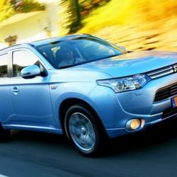 El Mitsubishi Outlander PHEV, disponible en abril y mas barato de lo esperado