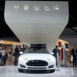 Tesla hace balance del 2013. 6.900 unidades en el tercer trimestre, y primera llamada a revisión