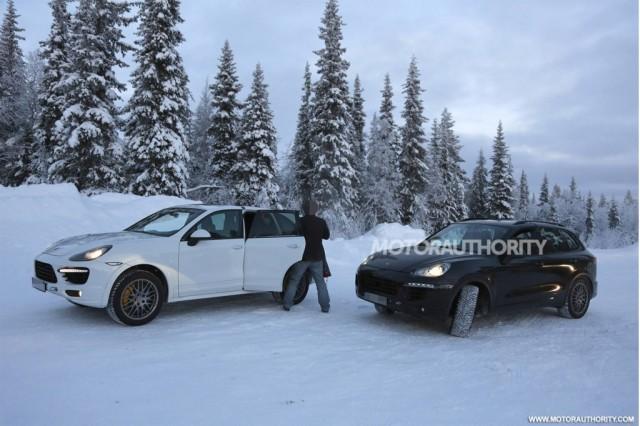 El Cayenne S E-Hybrid pillado durante unas pruebas de invierno